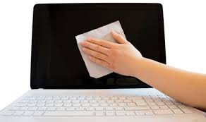 Cara Membersihkan Keyboard Laptop Dengan Benar